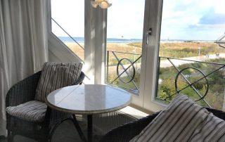 Blick aufs Meer – Villa am Strand – Ferienwohnungen