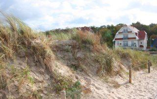 Zwei Ferienwohnungen in restaurierten Villa direkt am Strand
