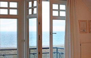 Meerblick aus Ferienwohnung – Villa am Strand