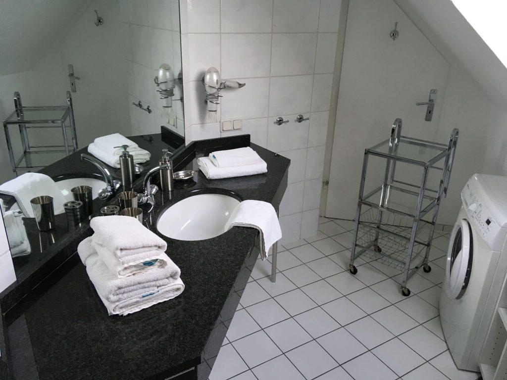 Ferienwohnung mit Badezimmer und Waschmaschine